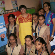 Photo of Melita Vaz, a 2016-17 International Project Grantee. with her students.