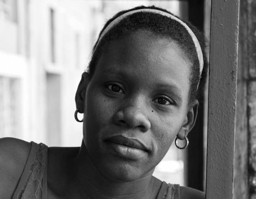 Black and white photo of a Cuban woman.