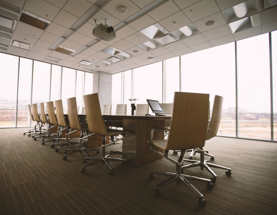 Board room (photo by Benjamin Child for Unsplash)